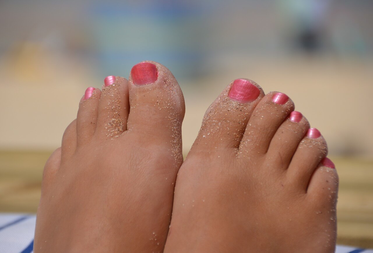 is it dangerous to sell feet pics